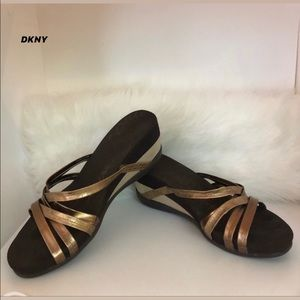 💥3 For $10💥 DKNY STRAPPY WEDGE SHOES